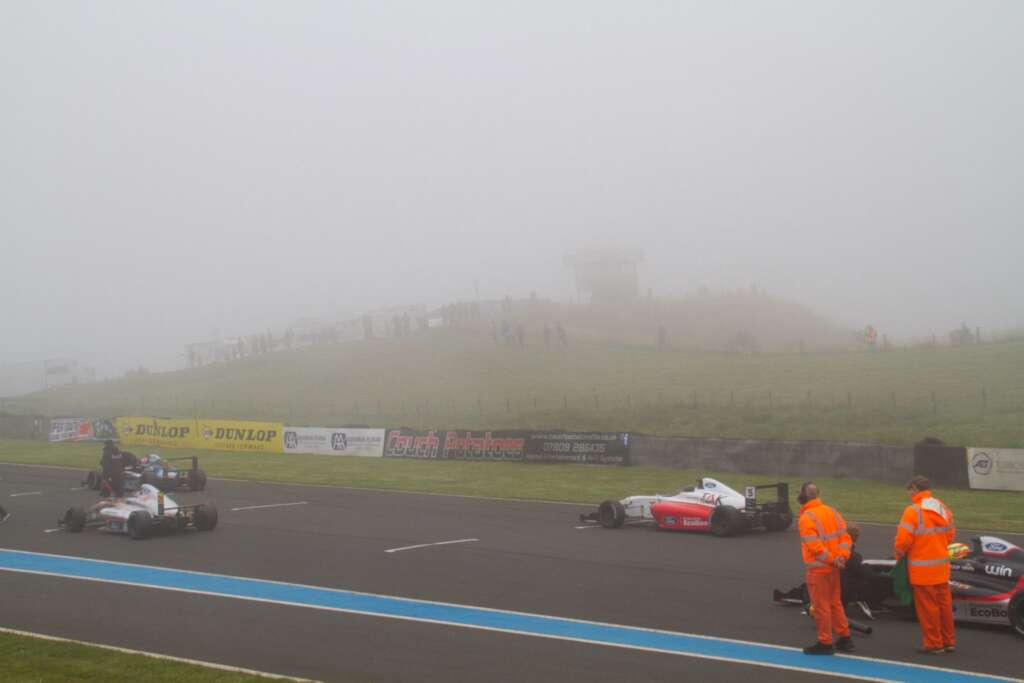 Mist at Knockhill for F4 race